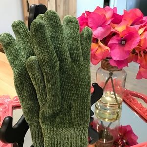 Isotoner Casual Knit Gloves-NWOT
